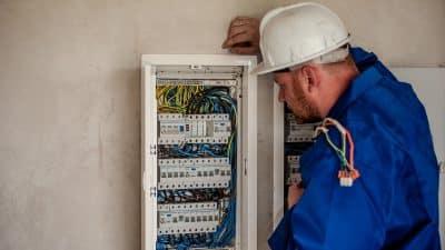 Dans quel cas contacter un électricien ?