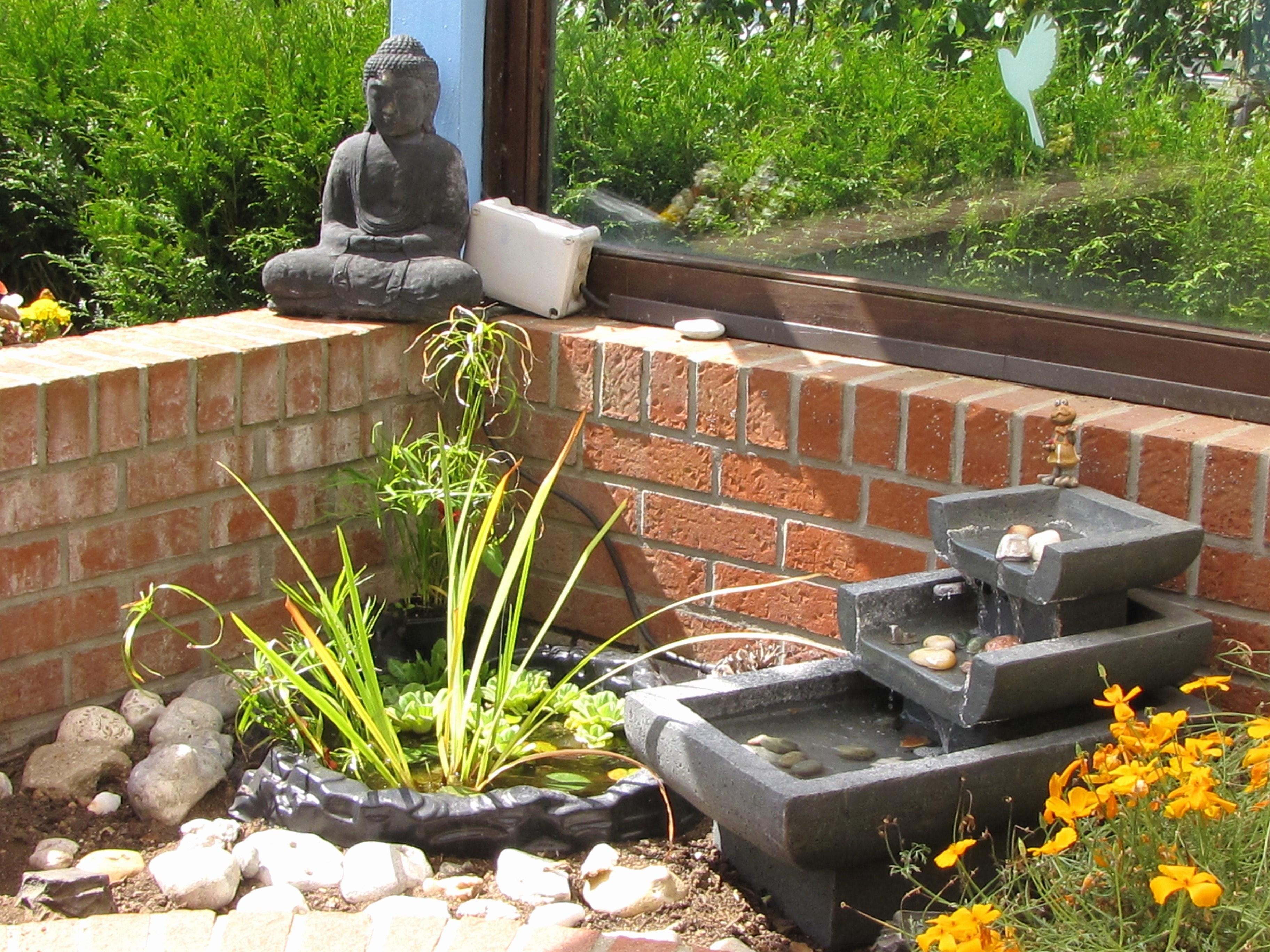 Le Jardin Zen Miniature Une Petite Bulle De Serenite Dans Votre
