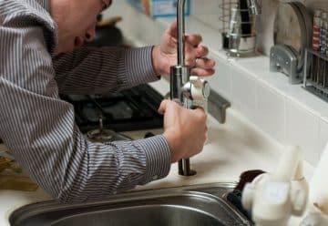 Votre plomberie vous fait un caprice : appelez un plombier sérieux sur Paris